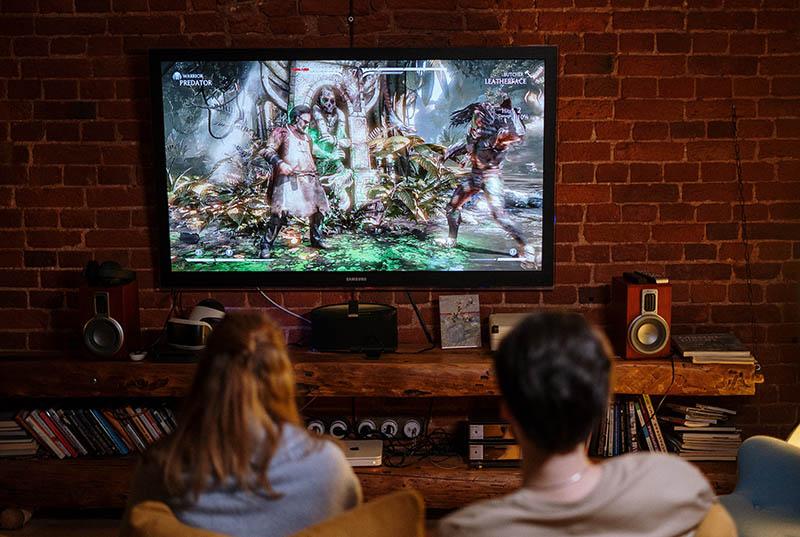65 Zoll-Fernseher mit hoher Auflösung