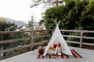 Tipi Zelt auf dem Balkon