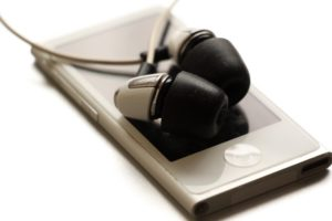 MP3-Player mit kabelgebundene Kopfhörer