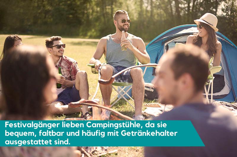 Festivalbesucher haben gerne einen Campingstuhl im Gepäck.