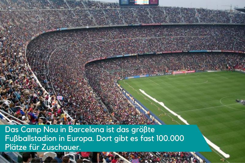 Fußballstadion mit vielen Fußballfans