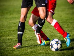 Der Fußball im Spiel