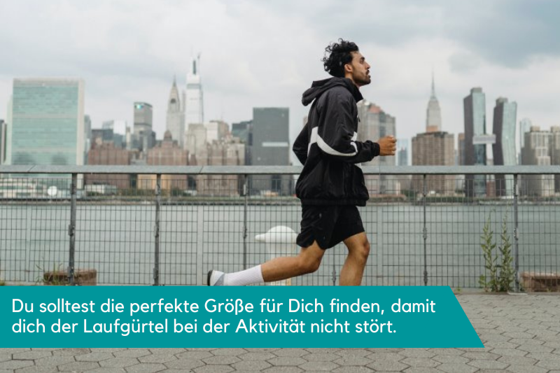 Laufgürtel beim Laufen tragen, um die Hände frei zu haben