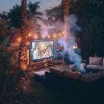 Filmabend im Freien.