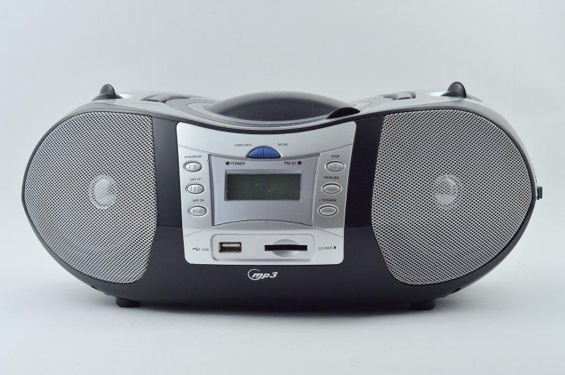 Tragbarer Radio-CD-Player mit MP3-Funktion