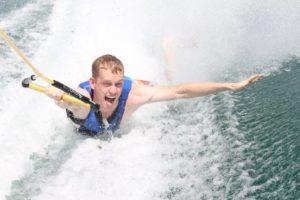 Prallschutzweste im Wassersport