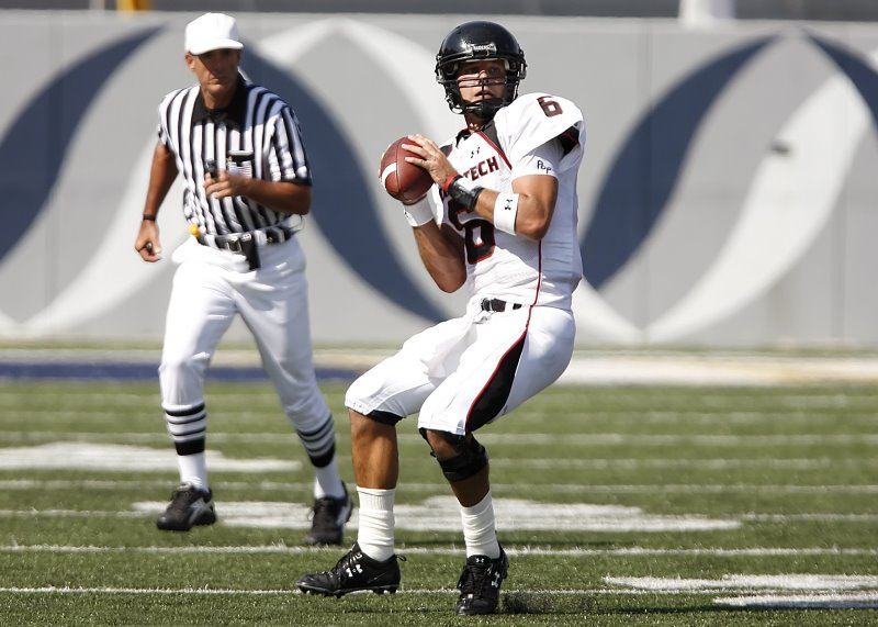 Football Spieler trägt ein Schweißband