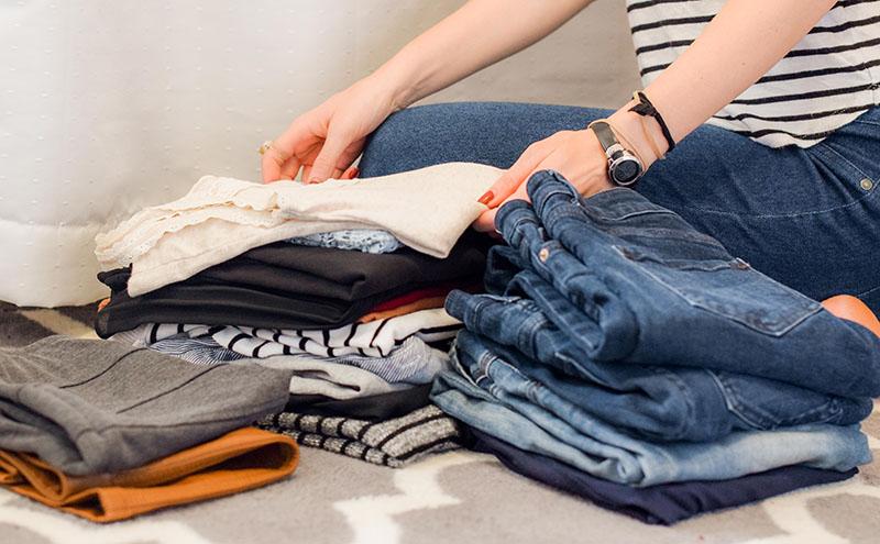 Kleidung einpacken für einen 2-Wochen-Urlaub
