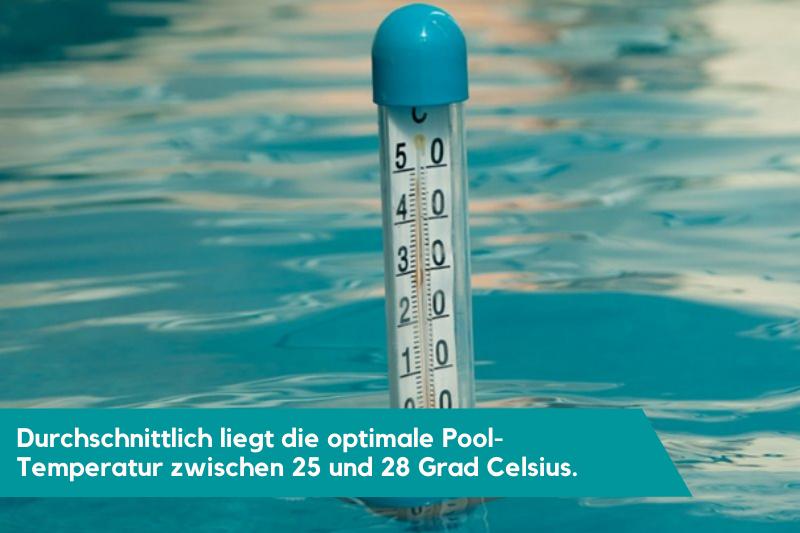 Thermometer im Pool für die Anzeige des erwärmten Poolwassers durch eine Poolheizung