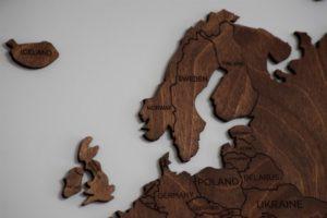 Skandinavien geografisch auf Holz abgebildet