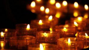 Kerzen im Dunklen