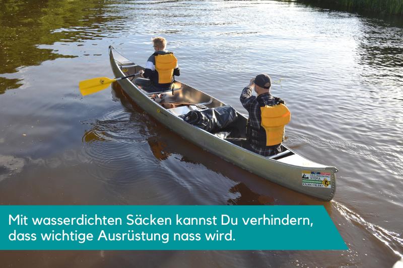 Wasserdichte Packsäcke sind bei einer Kanutour sehr hilfreich und schützen Deine wichtige Ausrüstung vor dem Wasser
