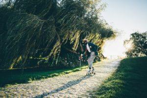 Landpaddeling ist wie skateboarding und Standup paddling