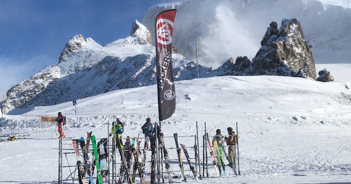 Abgestellte Ski