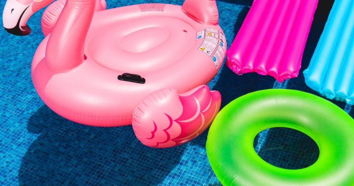 Im Luftmatratze Test findest Du unter anderem Schwimmluftmatratzen