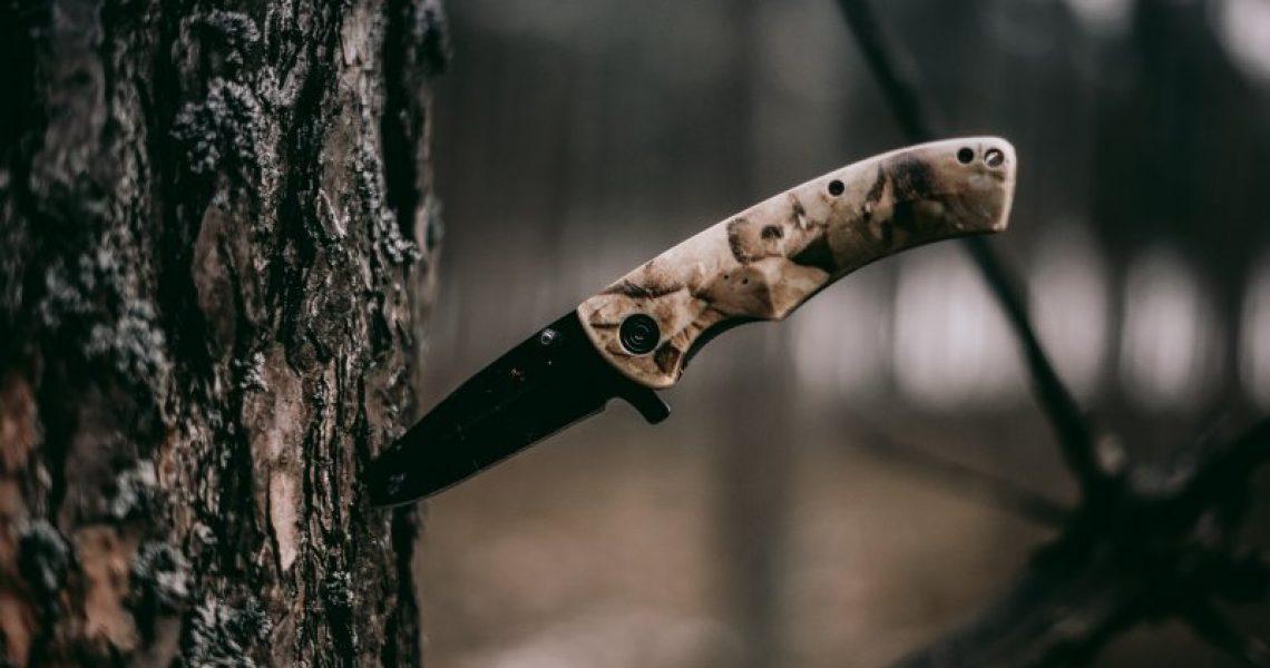 Outdoormesser in der Natur